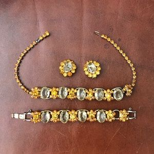Vintage 1940s costume jewelry 3 pc set